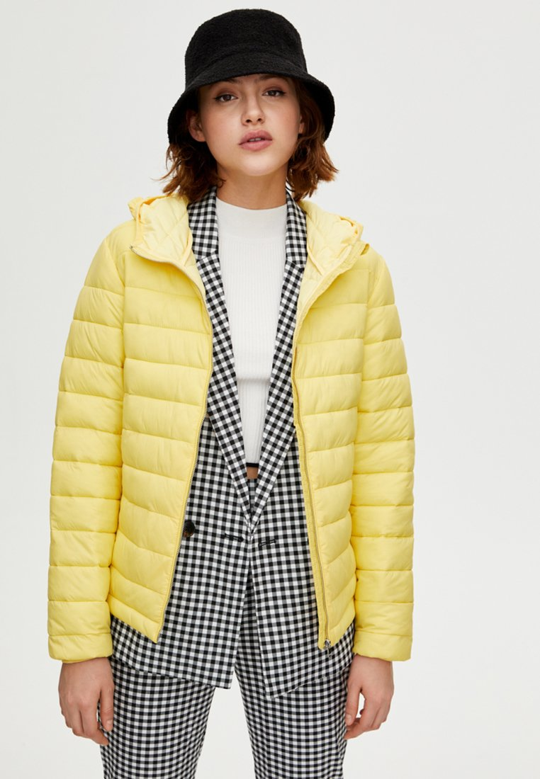 PULL&BEAR - Winter jacket - yellow