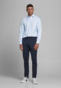 Jack & Jones PREMIUM - JPRBLAROYAL - Formal shirt - cashmere blue - 1