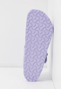 Birkenstock - GIZEH - Sandalias de dedo - purple fog - 6
