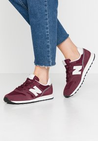 New Balance - WL373 - Sneakersy niskie - red - 0