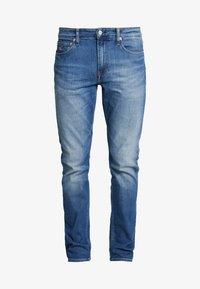 Calvin Klein Jeans - CKJ 026 SLIM - Slim fit jeans - bright blue - 3