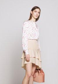 Bruuns Bazaar - LAERA DOLPHINE SKIRT - A-line skirt - sand - 3