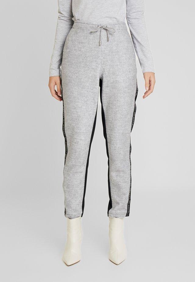 Pantalones - light grey melange