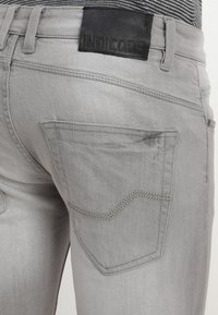 INDICODE JEANS - KADEN - Jeansshorts - light grey - 3