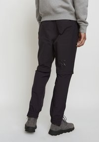 Timberland - WOODWOOD 2IN1 HIKE PANT - Träningsbyxor - obsidian - 2