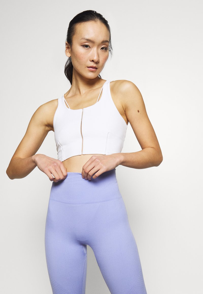 Nike Performance - YOGA LUXE CROP TANK - Sport BH - summit white