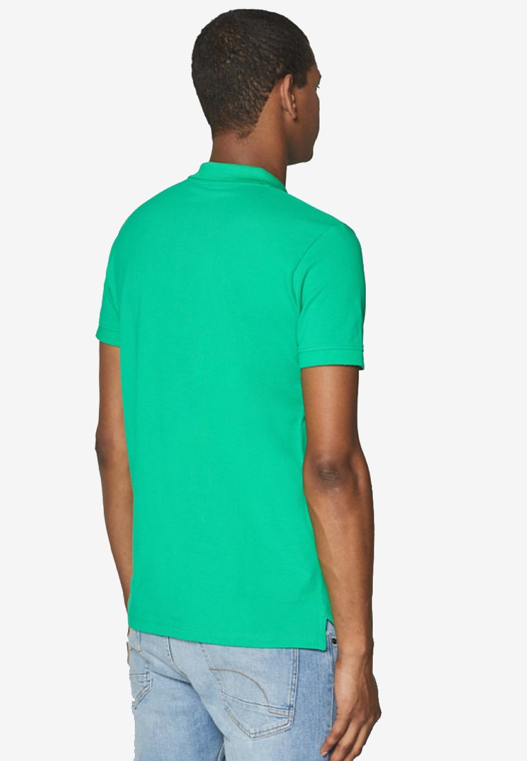 Esprit Polo shirt - green qmiYV