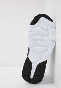 Nike Sportswear - PEGASUS '92 LITE - Trainers - black/white - 5
