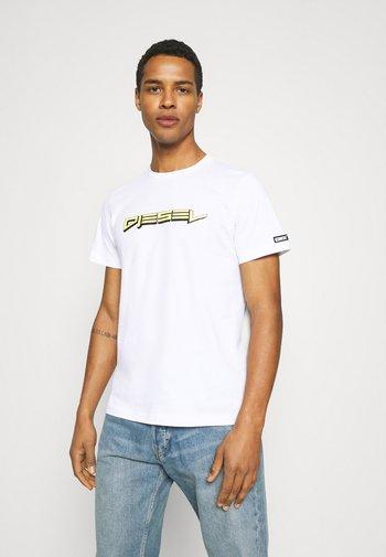 BMOWT-JUST-B - Print T-shirt - white