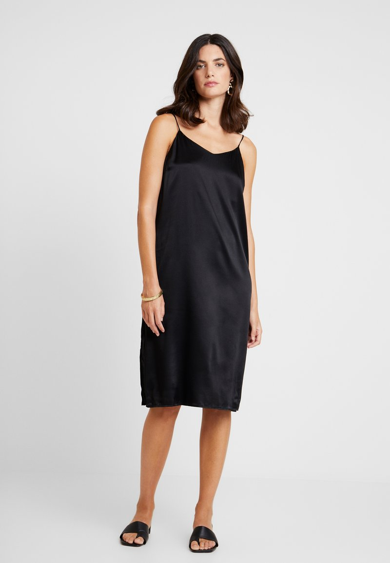 Levete Room - DAKOTA - Robe d'été - black