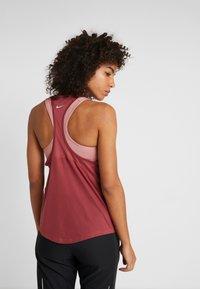 Nike Performance - MILER TANK RACER - T-shirt sportiva - cedar/reflective silver - 2