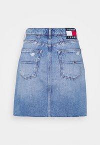 Tommy Jeans - MOM SKIRT - Mini skirt - denim light - 6