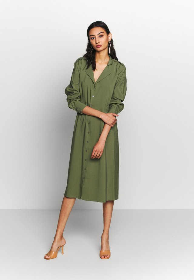 HENTY DRESS - Denní šaty - army green