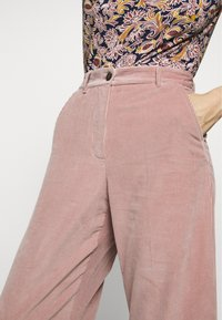 WEEKEND MaxMara - TOBIA - Trousers - rosa - 5