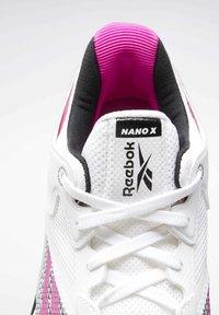 Reebok - REEBOK NANO X SHOES - Trainings-/Fitnessschuh - white - 5