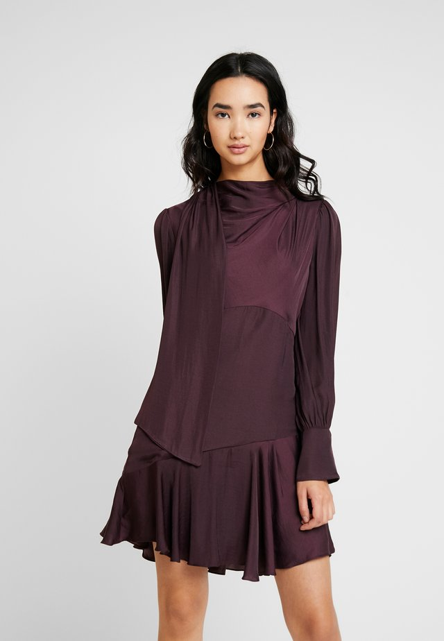 LILJA MINI DRESS - Vestito elegante - plum