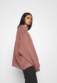 Weekday - HUGE CROPPED - Sweatshirt - brown/purple - 3