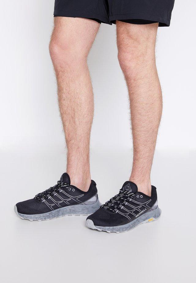 MOAB FLIGHT - Chaussures de running - black