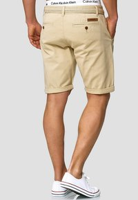 INDICODE JEANS - CASUAL FIT - Shorts - fog - 2