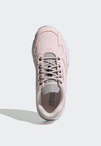 adidas Originals - SHOES - Sneakersy niskie - pink - 2