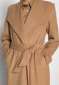Selected Femme - SLFROSE COAT - Classic coat - camel - 4