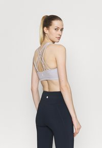 Cotton On Body - STRAPPY SPORTS CROP - Light support sports bra - grey marle - 2