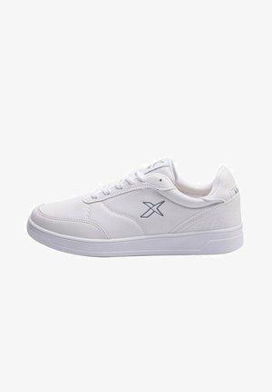 KARL - Zapatillas - white