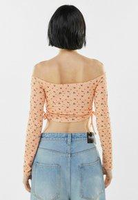Bershka - MIT CARMEN - Long sleeved top - orange - 2