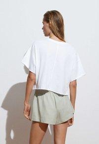 OYSHO - Shorts - light green - 1