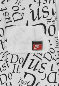 Nike Sportswear - COVERALL BABY - Jumpsuit - white - 3
