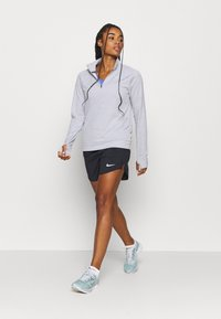 Nike Performance - PACER - Sports shirt - light smoke grey/reflective silver - 1