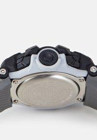 G-SHOCK - G-SQUAD - Digital watch - white - 2