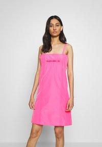 HOSBJERG - SABRINA DRESS - Denní šaty - pink - 0