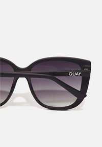 QUAY AUSTRALIA - EVER AFTER - Occhiali da sole - matte black / smoke - 4