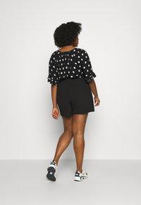 Dorothy Perkins Curve - TIE WAIST  - Shorts - black - 2