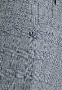 Jack & Jones PREMIUM - JPRRAY CHECK TROUSER - Trousers - grey melange - 7
