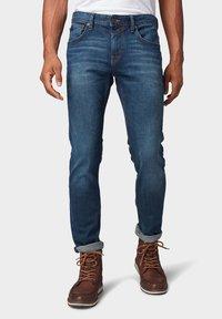 TOM TAILOR DENIM - Slim fit jeans - dark blue denim - 0