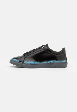 TERRAIN DERBY - Zapatillas - black