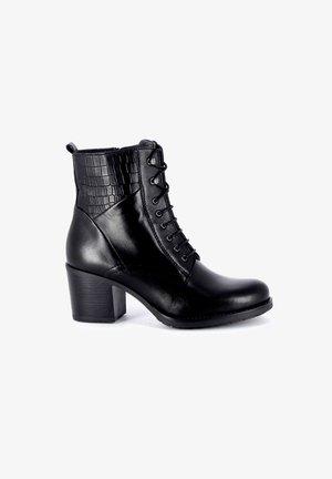 TANIA - Veterboots - black