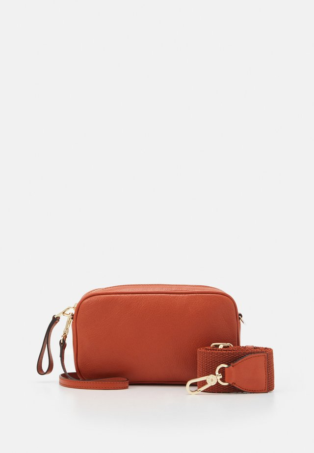 TINA BIG - Borsa a tracolla - orange