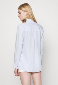 American Eagle - CORE MILITARY - Button-down blouse - ice blue - 2