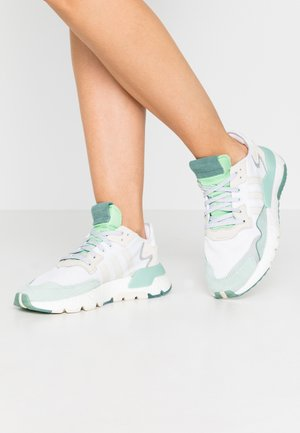NITE JOGGER  - Matalavartiset tennarit - footwear white/alumin