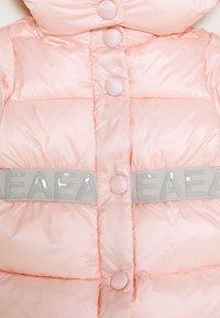 Emporio Armani - BABY - Veste d'hiver - rosa chiaro - 2