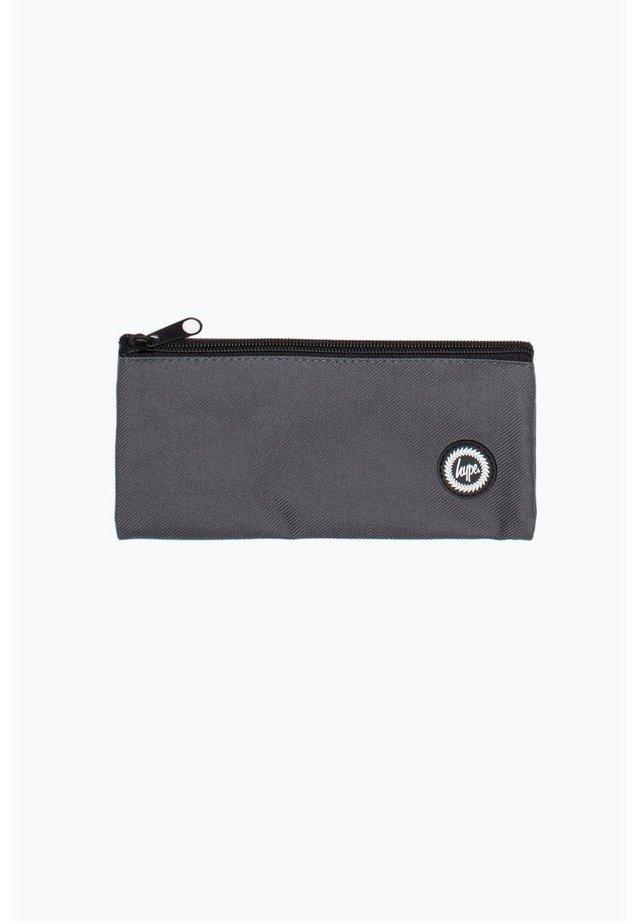 CREST - Pencil case - grey