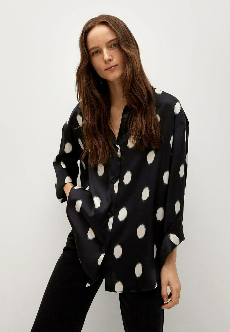Mango - OVERSIZE  - Button-down blouse - svart