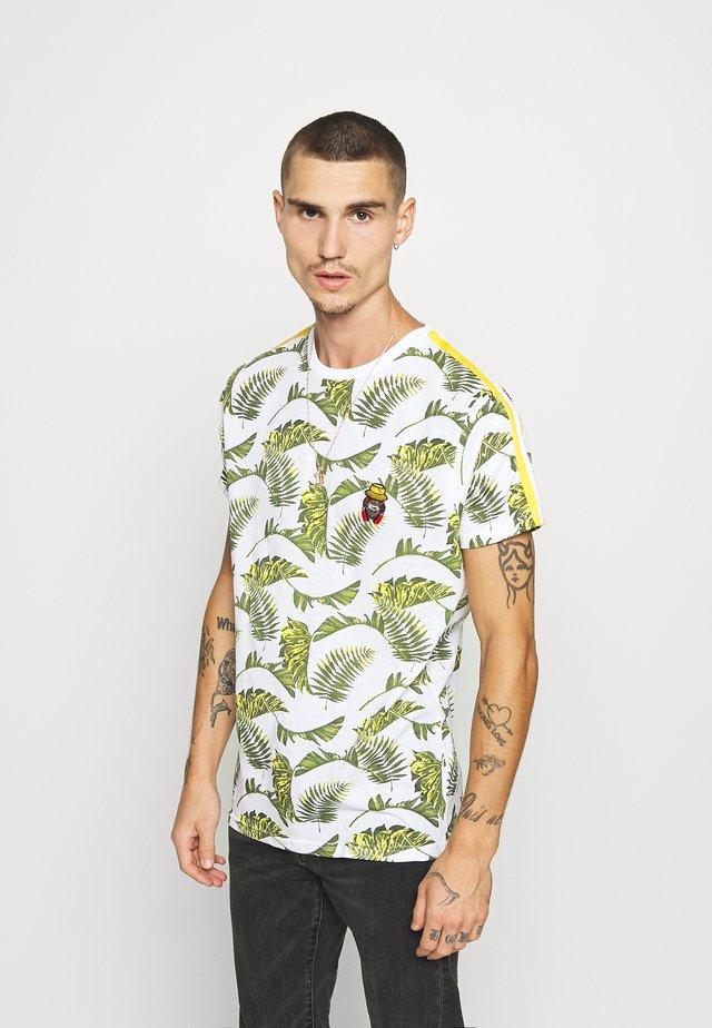 FERNS - T-shirt med print - white/multi