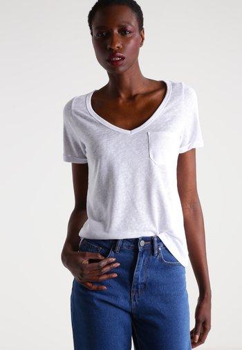 OBJTESSI SLUB V NECK - T-shirts - white