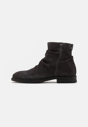 JFWRUKKA ZIP BOOT PIRATE - Classic ankle boots - pirate black