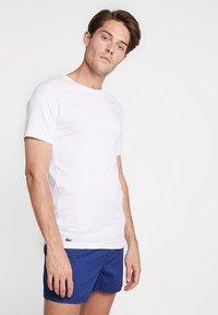 Lacoste - SLIM FIT TEE 3 PACK - Undershirt - black/mottled grey/white - 1