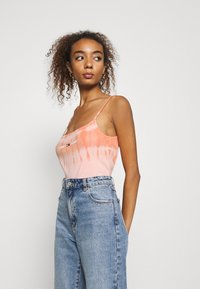 Tommy Jeans - SUMMER TIE DYE TANK - Top - sweet peac/multi - 3